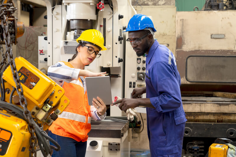A Call to Manufacturing Leadership: Streamline Operations with a Connected Workforce